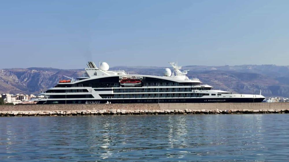 Piccole navi da crociera e mega yacht: a Manfredonia si punta sul turismo di lusso, terminal per attracchi e accoglienza - FoggiaToday