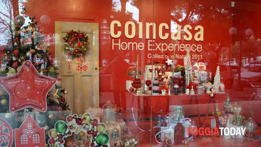 Il natale in vetrina allestimenti dicembrini nelle vie dello shopping - Idee per vetrine primaverili ...